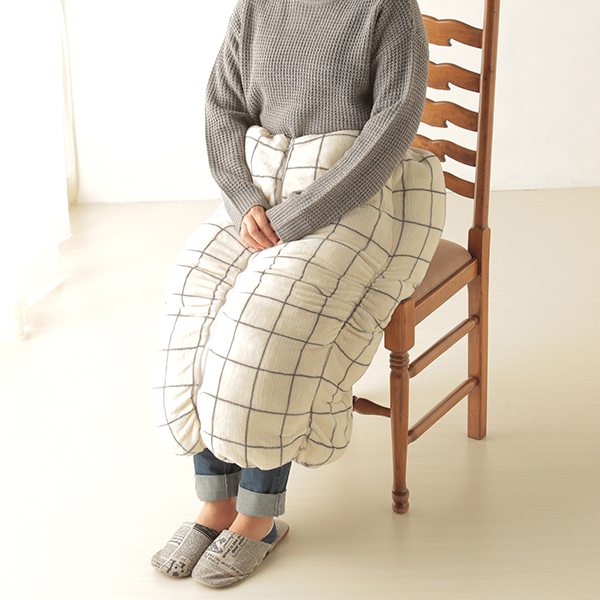 HOME COORDY ウィンドウペイン柄ロール毛布 商品画像 (1)