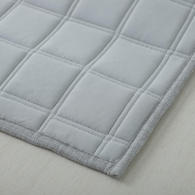 HOME COORDY COLD 接触冷感キルトラグ(冷) 130×185cm(1.6畳相当) 商品画像 (1)