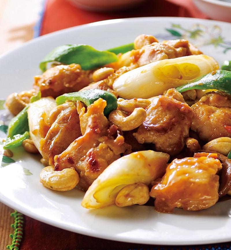 純輝鶏とピーマンのカシューナッツごま味噌炒め レシピ画像