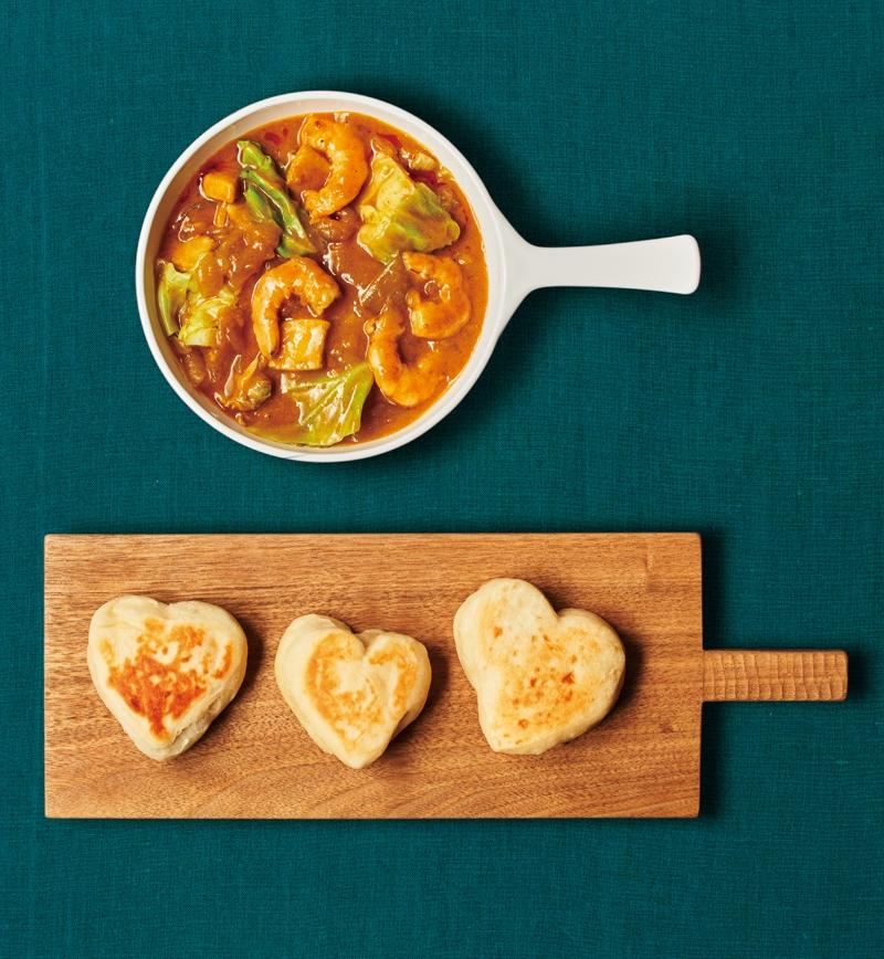 春野菜とシーフードの印度風カレーと手作りナン レシピ画像