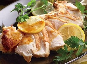 第4位 鶏むね肉のレモンバターソテー レシピ画像