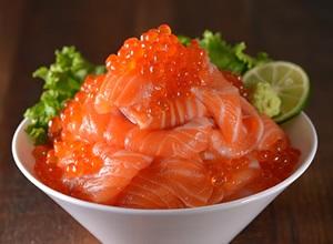 サーモン山盛丼 レシピ画像