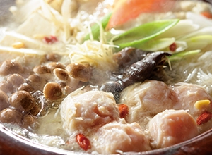 鶏肉だんごの薬膳風鍋 レシピ画像