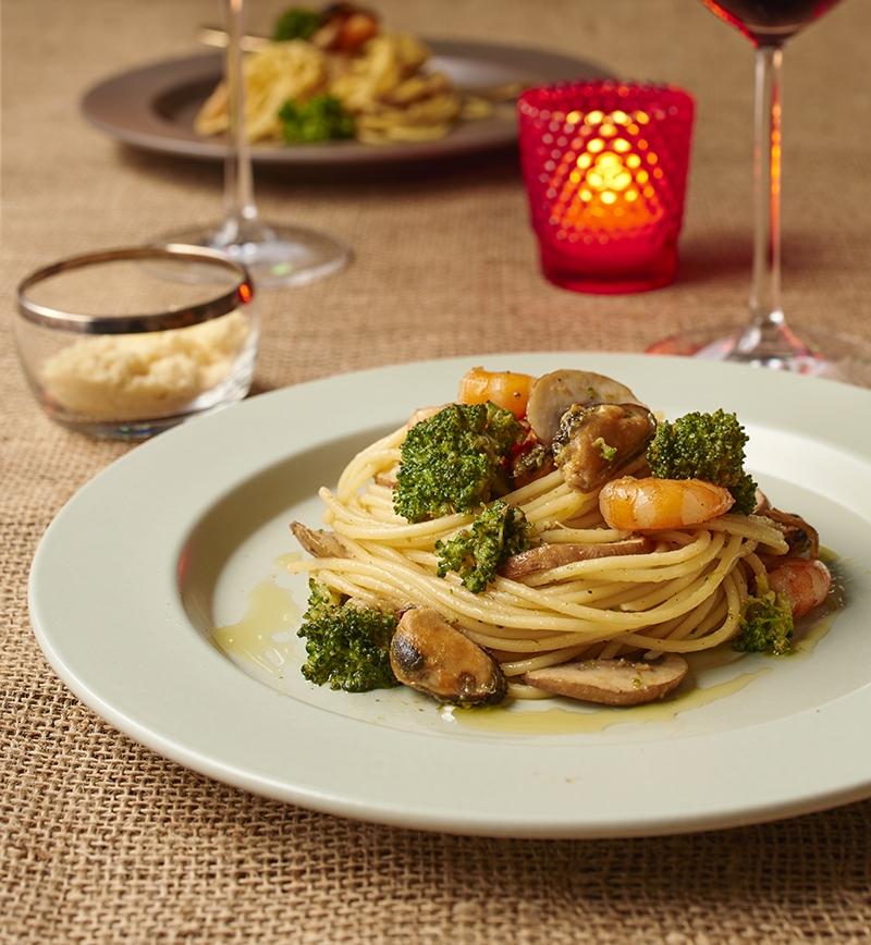 えびとムール貝のオイルパスタ レシピ画像