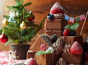 作るときから楽しいクリスマスツリーケーキ