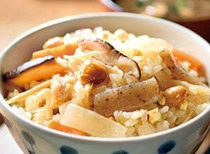 第5位 鍋つゆで簡単!10種類の具だくさん炊き込みごはん レシピ画像
