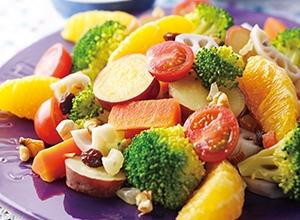 オレンジと野菜のサラダ 胡麻ヨーグルトドレッシング