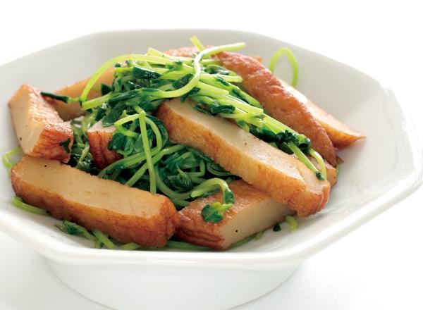 さつま揚げと豆苗の炒め物 レシピ画像