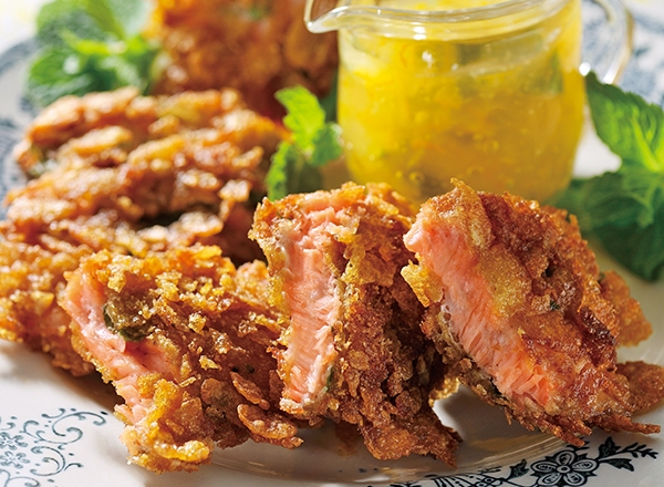 サーモンのコーンフレーク揚げ 夏みかんソース レシピ画像