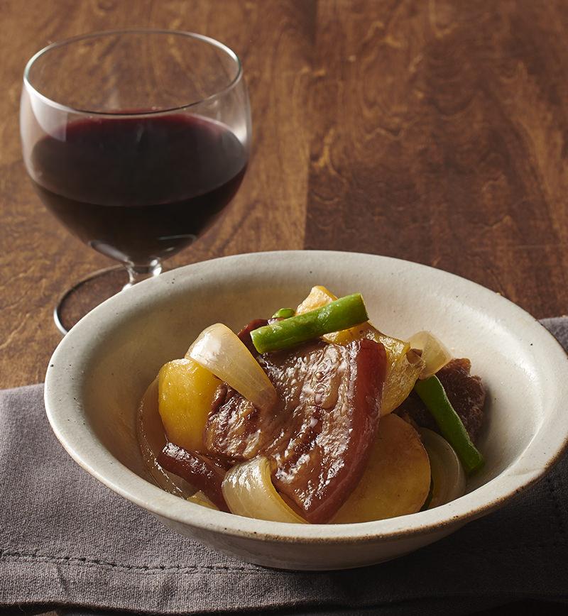 とろとろ豚角煮の肉じゃが レシピ画像