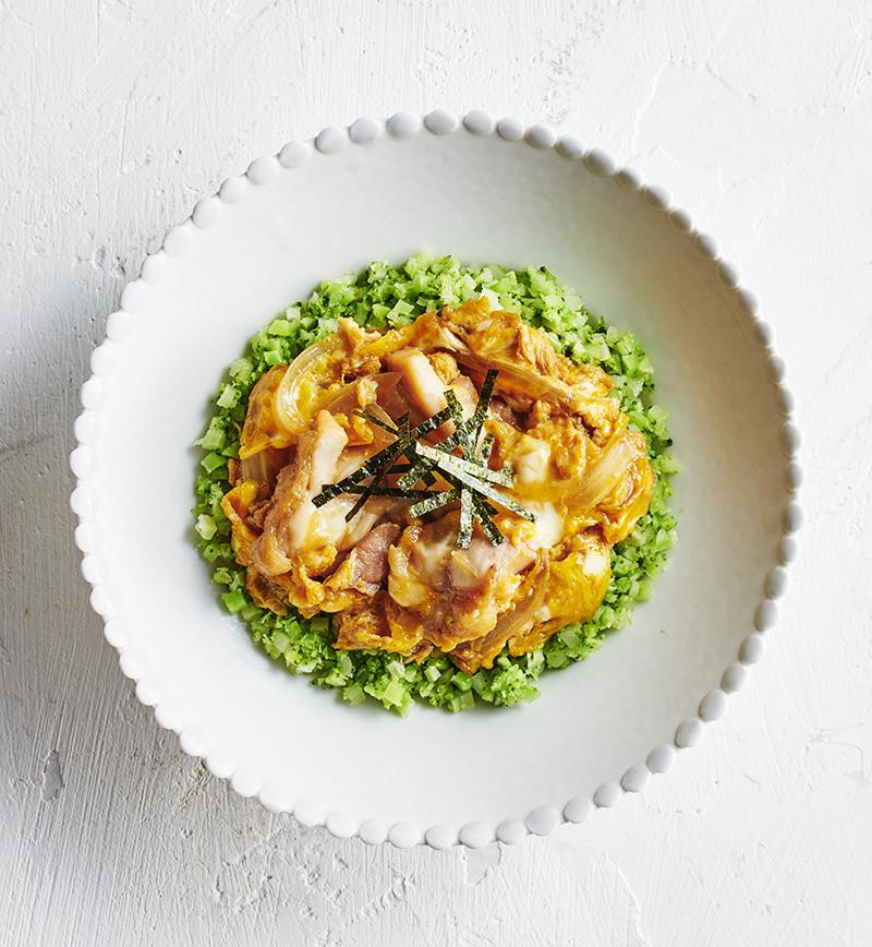 ごはんをブロッコリーに置きかえた 親子丼 レシピ画像