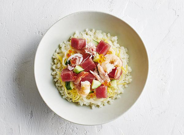 ごはんをカリフラワーに置きかえた ちらし寿司 レシピ画像