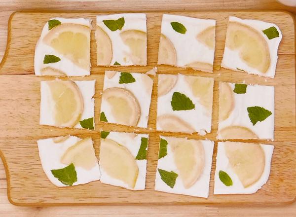 第4位 はちみつレモンのヨーグルトバーク レシピ画像