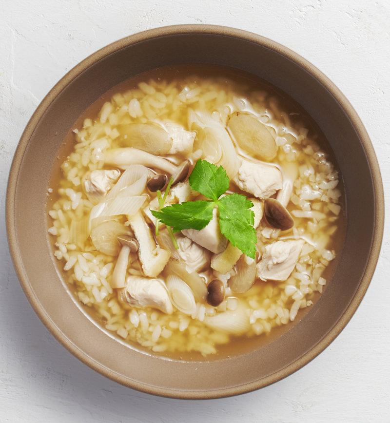 【ベジスープめし】ごはんの半分をカリフラワーに置きかえた 和風おだしスープめし レシピ画像