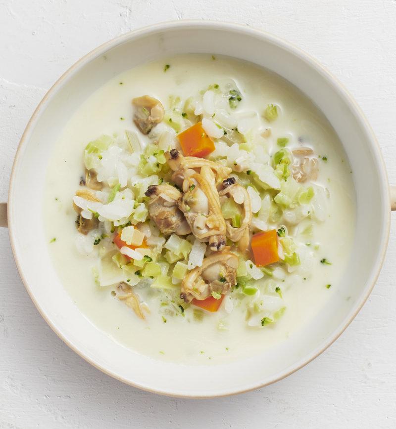 【ベジスープめし】ごはんの半分をブロッコリーに置きかえた 洋風クリームスープめし レシピ画像