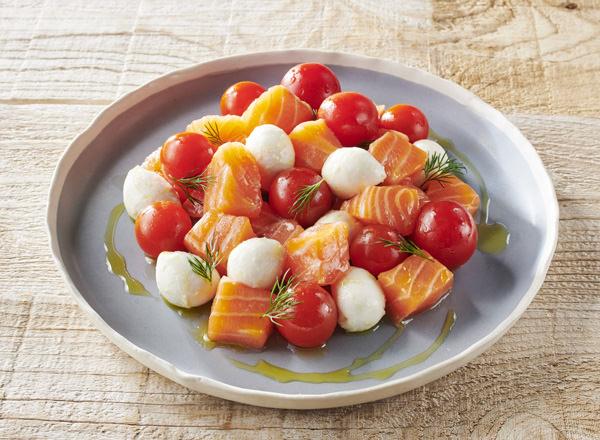 生サーモンのカプレーゼ風コロコロサラダ レシピ画像