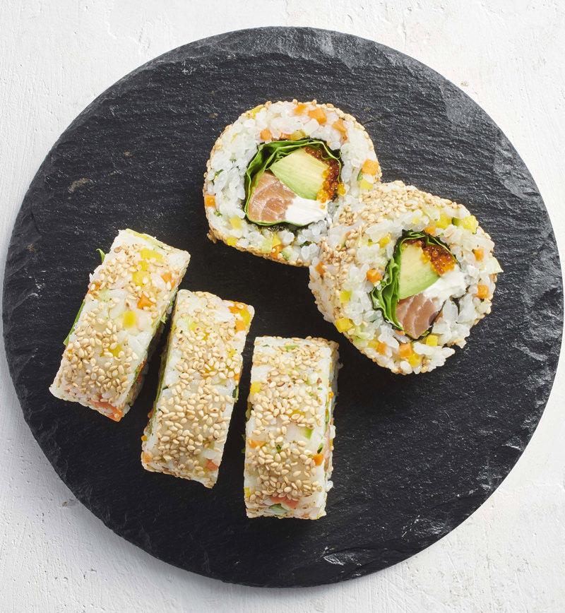 ごはんの1/3を6種の彩り野菜に置きかえたカリフォルニアロール レシピ画像