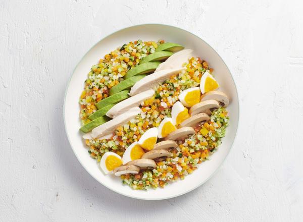 6種の彩り野菜をつかってアレンジ糖質オフ サラダチキンの彩りサラダ