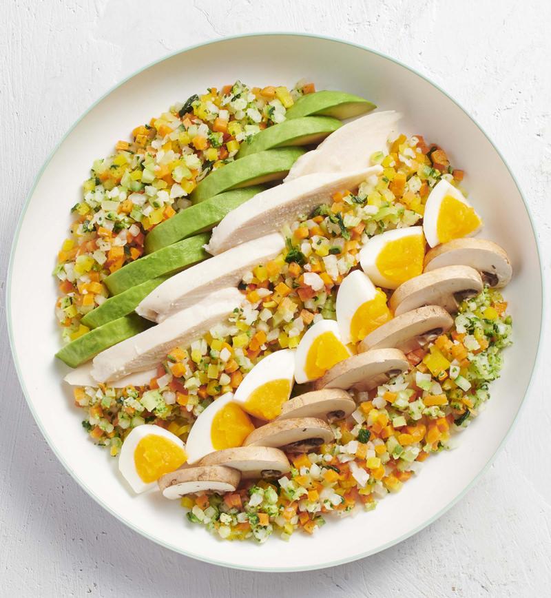 6種の彩り野菜をつかってアレンジ糖質オフ サラダチキンの彩りサラダ レシピ画像