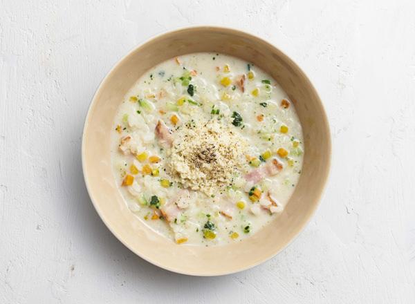 【ベジスープめし】ごはんの半分を6種の彩り野菜に置きかえた カラフルリゾット