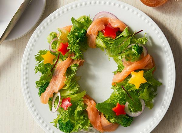 スモークサーモンのクリスマスリースサラダ レシピ画像