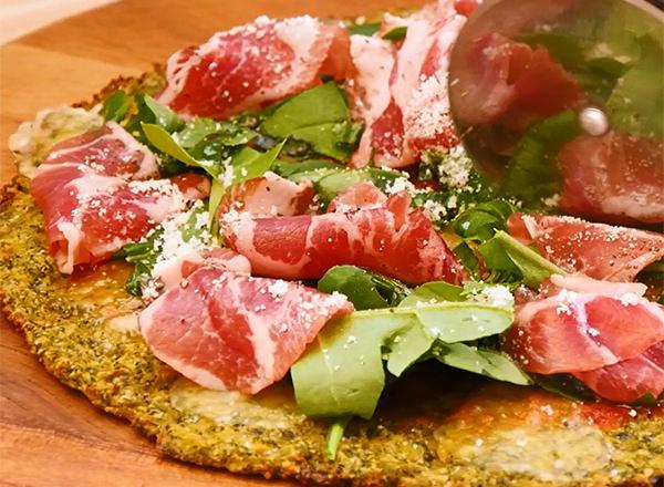 お米のかわりに食べるブロッコリーdeピザ