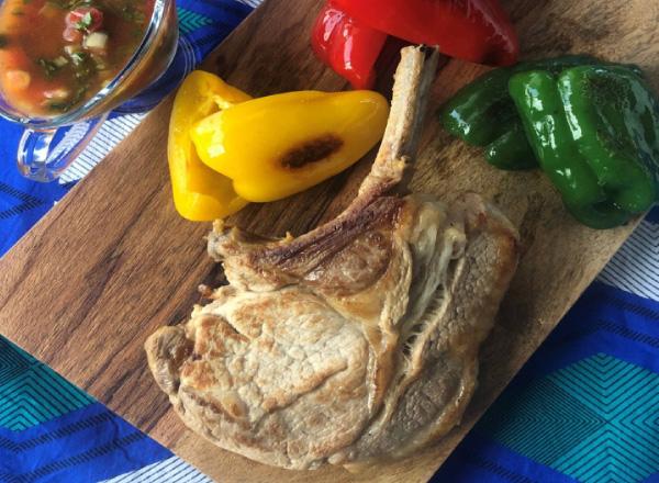 フライパンでうまみ和豚熟成骨付きロースステーキ レシピ画像