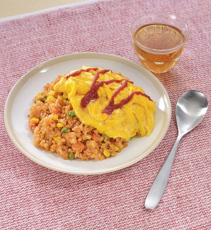 大豆ミンチとカリフラワーライスを使ったヘルシーオムライス レシピ画像