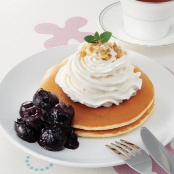 アメリカンチェリーソースのパンケーキ レシピ画像