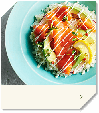ごはんをカリフラワーに置きかえたサーモンアボカド丼