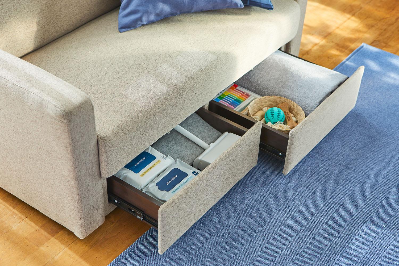 収納付きソファなら、いつでもサッと取り出せてお部屋もすっきり。