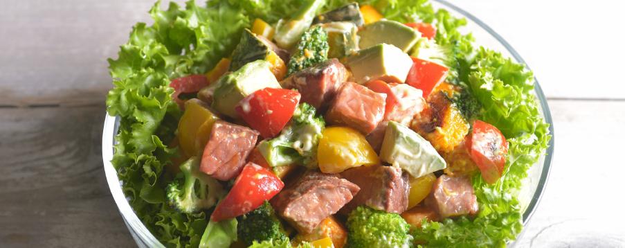 グリル野菜とナッツのチョップドサラダ