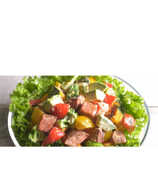 角切りチョップドカット最初から切れているから他の食材とのアレンジが簡単。そのまま特製ソースをかけるだけでもおいしく召し上がれます。グリル野菜とナッツのチョップドサラダ